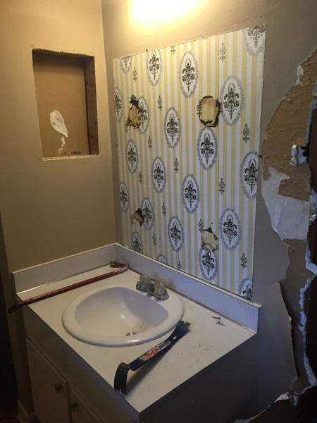7 Reasons To Gut Your Bathroom When You Remodel