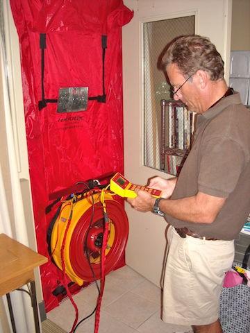 Doing a blower door test