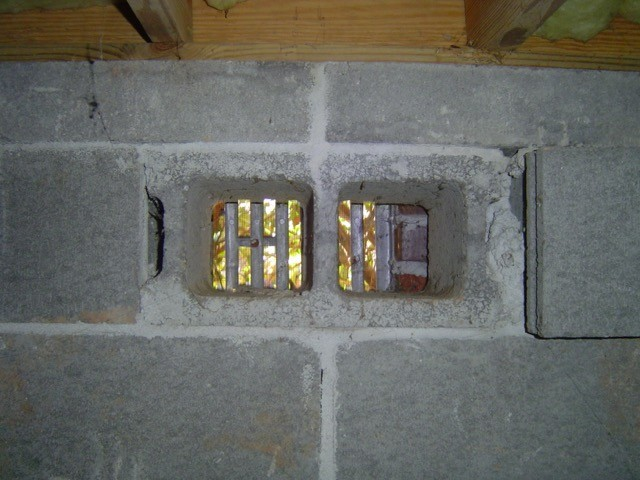 crawl space moisture source - open foundation vent