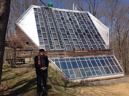 A house with active and passive solar heating  (Click to read more)