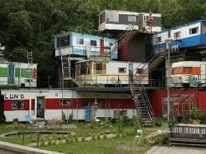 Green   modular homes aren't like this.