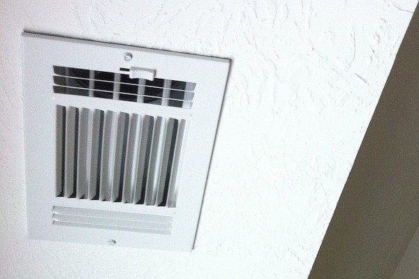 & Can You Save Money by Closing HVAC Vents in Unused Rooms?