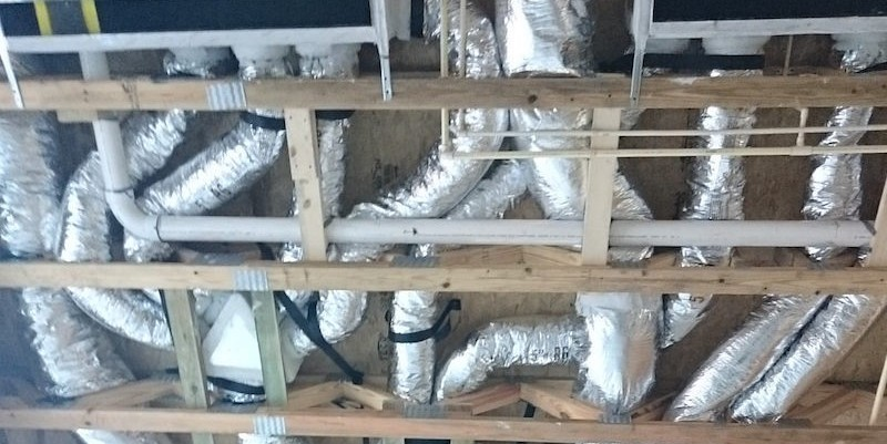 Abundant pressure drops in flex duct installation